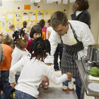 2013_january_farm to schools_hugh acheson_cooking demo-9281