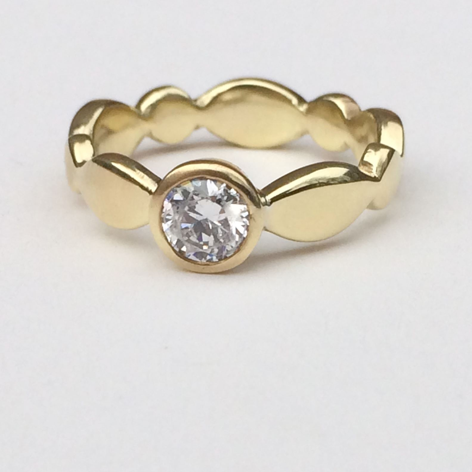 scalloped_engagement_ring